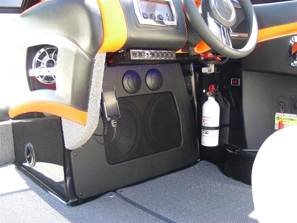 Malibu MXZ Sub Interior